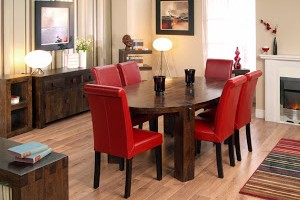 fancy-wooden-oval-dining-table